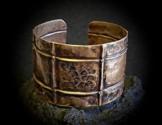 Armreif aus Kupfer mit wunderschöner Oberfläche, handgeschmiedetes Unikat -