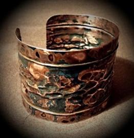 Armschmuck, Armreif aus Kupfer, handgeschmiedetes Unikat -