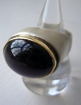 Designer-Silberring mit goldener Lünette -