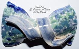 Fliege Keramik Antiquae Linie Piece Unique Hergestellt und von Hand bemalt Le Ceramiche del Castello Made in Italy Maße: 8.5 x 5.5 cm -