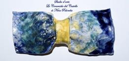 Fliege Keramik Modern Linie Piece Unique Hergestellt und von Hand bemalt Le Ceramiche del Castello Made in Italy Maße: 10 x 4 cm. -