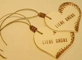 Geschenkanhänger LIEBE GRÜßE/ 2 STÜCK/ Präsentanhänger/ Geburtstag/ Herzanhänger/ Geschenkdekoration/ Glückwunschkärtchen/ Gift Tag/ Deko - Anhänger/ Holzschliffpappe/ Naturdeko -
