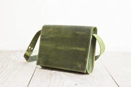 grüne Lederhandtasche, femininer Crossbodybag, Umhängetasche handgemacht in bayern -