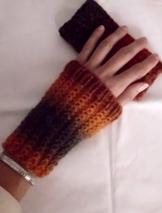 handgestrickte Pulswärmer, Armstulpen, Handstulpen, fingerlose Handschuhe, gestrickt, Wollstulpen, Wolle -