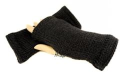 Handstulpen schwarz - Wollstulpen - Hand gestrickt - warm und weich -