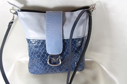 Handtasche Echtleder bleu Töne Animaloptik -
