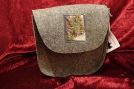Handtasche mit Schulterriemen aus Filz. -