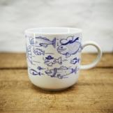 Kaffeebecher / Becher Fische maritimes Design - Porzellan blau-weiss von Ahoi Marie -
