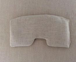 Körnerkissen mit Traubenkernen gefüllt. Zum kühlen der Augenpartie. Passend für deine Schlafmaske von Sleep Present. -