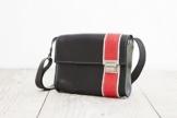 Lederhandtasche, schwarze Umhängetasche, femininer Crossbodybag -