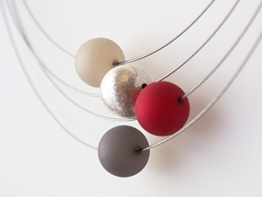 Polariskette grau rot silber Kette Collier -