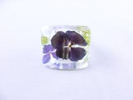 Ring mit zwei lila Hortensienblüten -