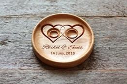 Ringschale aus Eiche mit gravierten Namen und Datum, Ringkissen, Ringträger für die Hochzeit. -
