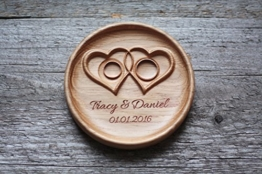 """Ringschale aus Holz mit gravierten Namen und Datum, Ringkissen für die Hochzeit, Ringträger für die Hochzeit """"Verdrehte Herzen"""" -"""