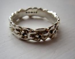 Silber Blume posy Ring mit Saphiren -