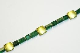 Smaragd-Kette mit goldenen Zwischenteilen -