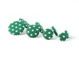 Stoffohrstecker - grün weiß Punkte - 1 Paar - Ohrringe Stoff - Stoffohrringe - Motley Bees -