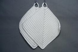 Topflappen weiß gehäkelt aus Baumwollgarn 100 % Baumwolle -