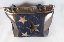 trendige Sternen Handtasche Echtleder Bronze/Metallic kombiniert mit Jeans -