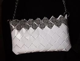 UNIKAT Clutch-Tasche mit Motiv Party Clutch weiß und schwarz laminiert Lack Gesteppt Handtasche -