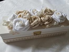 UNIKAT ROMANTISCHE SCHATULLE 'ROSENBEET' shabby Box Holzschachtel Holzdose Schachtel Kiste -